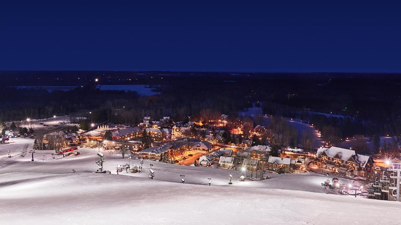Zoom Ski Background